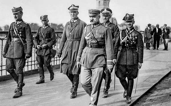 Józef-Piłsudski-on-Warsaw's-Poniatowski-Bridge