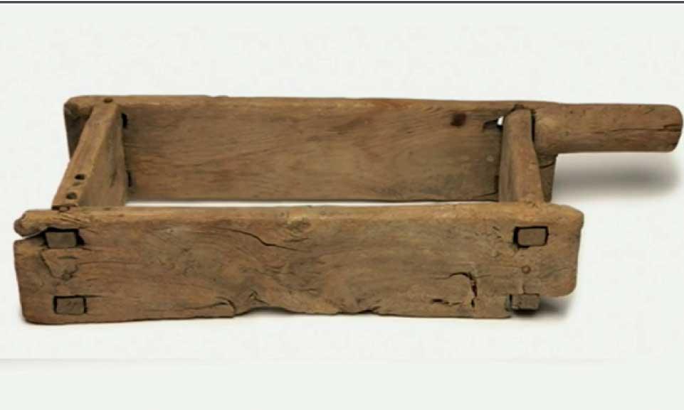 wooden-brick-mold